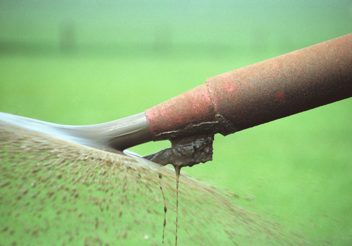 Water Action - spreading slurry - 190521